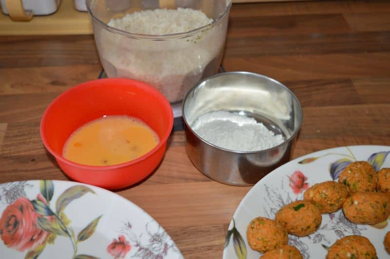 coat these balls first with plain flour, then in beaten egg, then in bread crumbs.