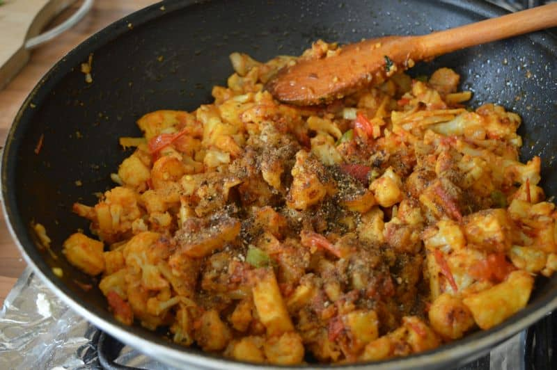Aloo Gobi Karahi_ potato cauliflower curry