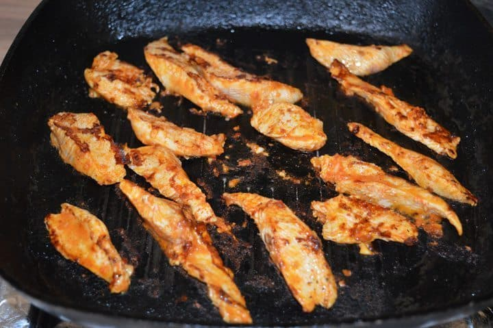 3. Heat a grilling pan, brush with 1-2 tbsp oil, cook peri peri bites 2 minutes each side on high heat.