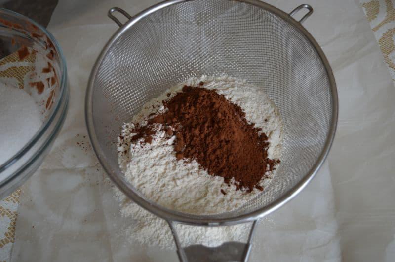 4. Sift 300 gm flour, coco powder 25 gm, bicarbonate of soda 1 tsp. set it a side.