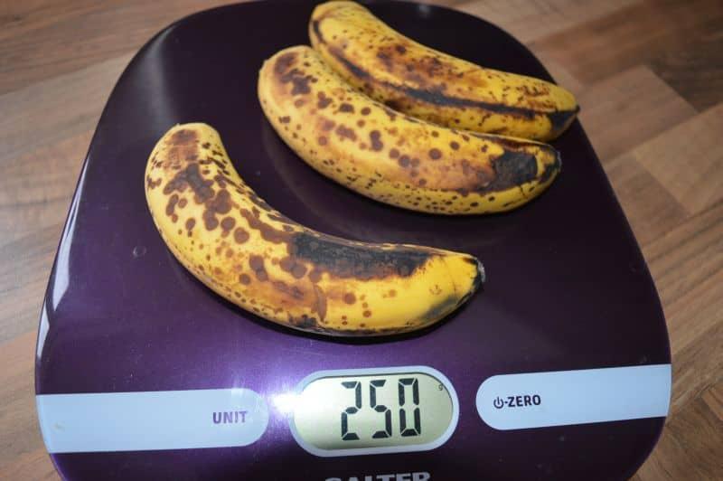 Banana cinnamon cake