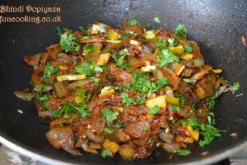 Bhindi do piyaza okra